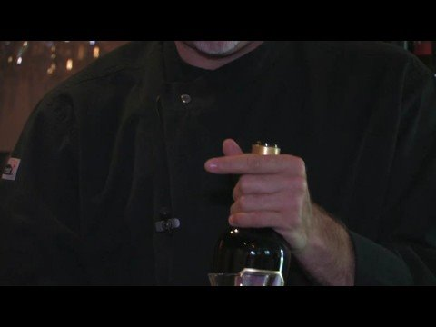 Wine Information : Decanting Red Wine